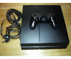 Ps4 with wireless controller and 3 Games   €250