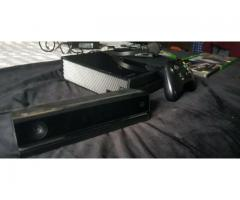 Xbox One 500Gb with Day one Controller,5 Games,Kinect and Original Box.  €180